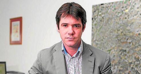 David Guevara, el delegado de Deportes del Ayuntamiento de Sevilla, posa para ESTADIO.