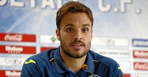 Pedro León admitió en sala de prensa que Iniesta les llamó para disculparse.