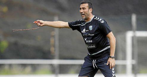 En la imagen, Agn� durante un entrenamiento con el Tenerife.