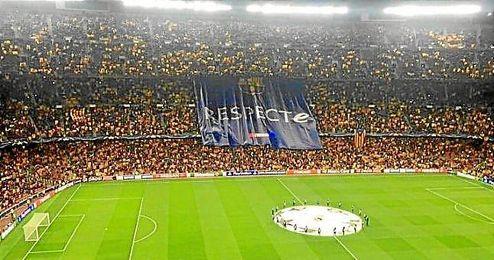 Imagen del Camp Nou antes de comenzar el partido ante el Bate.
