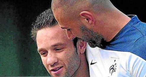 Valbuena puso esta foto con Benzema como perfil de Facebook.