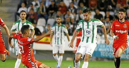 El Córdoba consiguió el primer puesto ante el Nástic y quiere conservarlo.