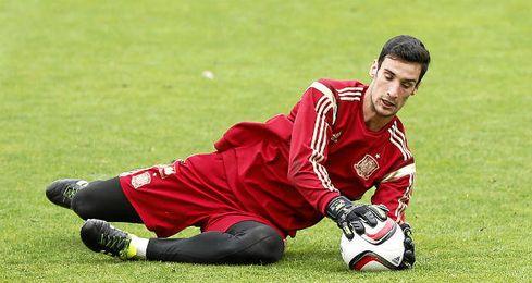 Sergio Rico sigue contando para Del Bosque.