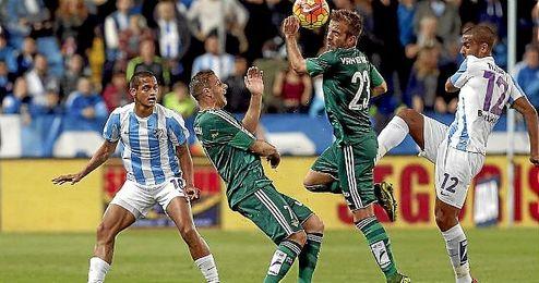 Joaquín volvió a La Rosaleda con la camiseta del Betis.
