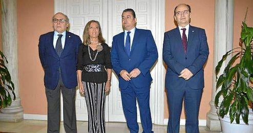 Ollero y Castro, en la firma del protocolo contra la violencia de genero en Sevilla.