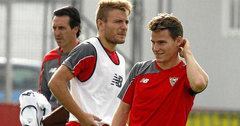Immobile y Llorente quieren asaltar la titularidad de Gameiro.