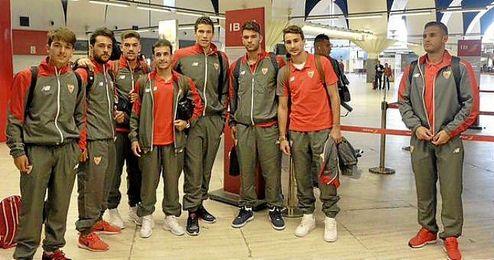 Los jugadores en el aeropuerto de San Pablo antes de partir hacía Lugo.
