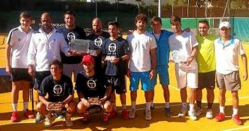 En la lucha por evitar el descenso a Segunda, los sevillanos del Bernier se imponían por 5-2 al equipo de la Real Sociedad de Tenis de Granada.