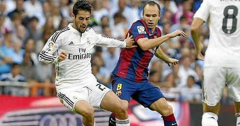 Isco e Iniesta, en el último Clásico del Bernabéu.
