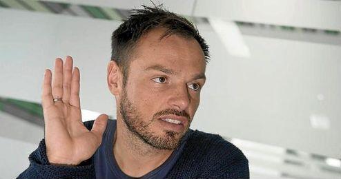 Westermann admitió a ESTADIO que tiene confianza ciega en Van der Vaart.