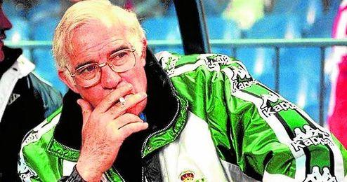 El ´Sabio de Hortaleza´, en su etapa como técnico del Betis; antes, brilló como futbolista verdiblanco y colchonero.