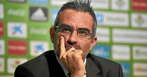 Macià habló sobre los silbidos de la afición a Xavi Torres.