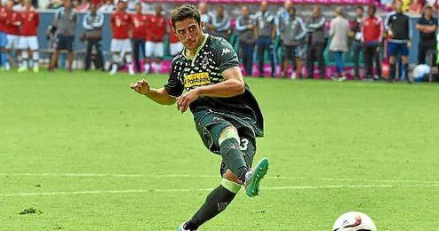 El medio de Speyer es optimista para el partido ante el Sevilla.