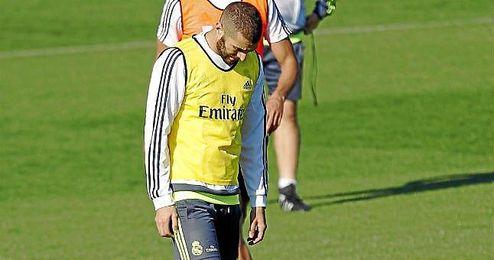 Karim Benzema en un entrenamiento reciente con el Real Madrid.