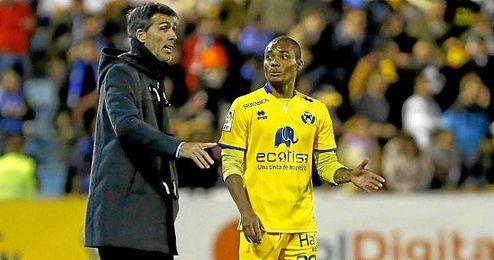 """Nelson, ex del Betis, quiere """"hacer historia en el Alcorc�n""""."""