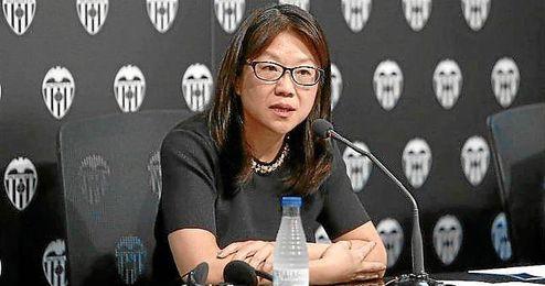 """Layhoon Chan no piensa que Neville esté en Valencia """"por su amistad con Lim""""."""