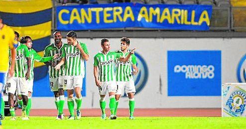 Rub�n Castro celebra, junto al resto del equipo, el �ltimo gol que marc� en el estadio de Gran Canaria, en el partido de Copa del Rey de la 12/13.