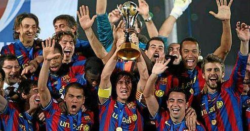 Los jugadores del FC Barcelona celebrando su �ltimo Mundialito.