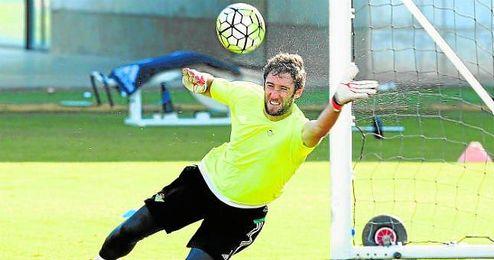 Dani Giménez, que ha jugado tanto en Copa como en Liga, dio una amplia entrevista a los medios del club.