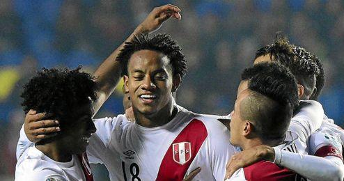 El internacional peruano sigue sin aclarar su porvenir.