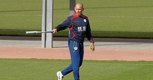 El técnico vuelve a chocar con uno de sus futbolistas.