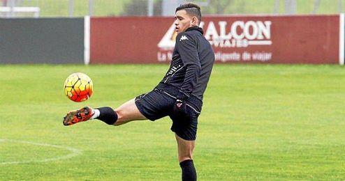 Sanabria, en un entrenamiento del Sporting.