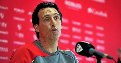 Emery no reservará nada ante el Sporting pensando en el derbi.