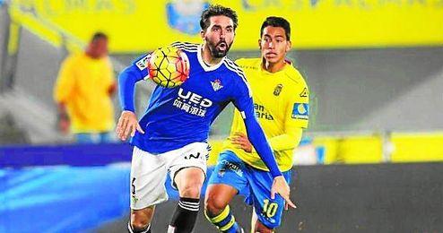 Jordi Figueras, en un lance del partido ante Las Palmas.