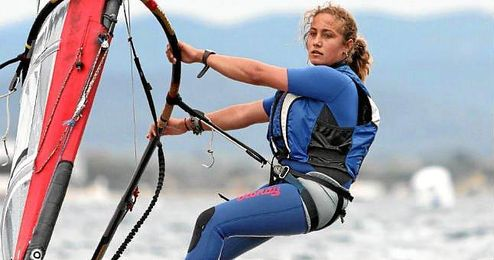La windsurfista Pilar Lamadrid.