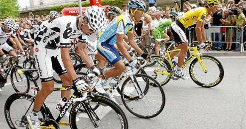 Imagen de la salida de una etapa del Tour de Francia.