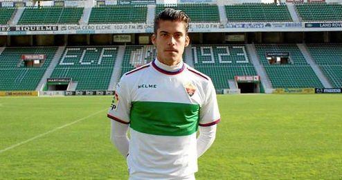 El jugador ha firmado con la entidad ilicitana hasta junio de 2018.