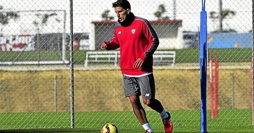 Daniel Carriço, en la imagen durante un entrenamiento reciente, afirma que está apto para jugar contra el Espanyol.