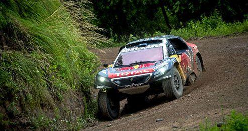 Sainz en una etapa del actual Dakar
