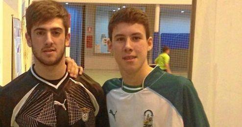 Ambos futbolistas con la camisola de la Andaluza.