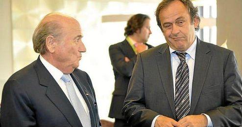 En la imagen, Michel Platini y Joseph Blatter en un acto de la UEFA.