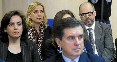 La �nica acusaci�n que sostiene el encausamiento de la infanta es Manos Limpias.