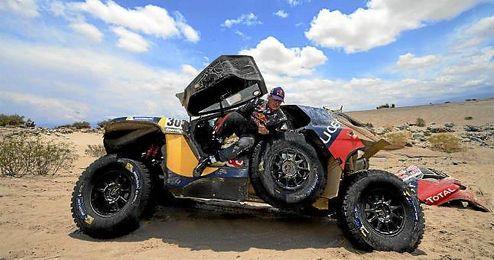 Sainz en la décima etapa del rally Dakar 2016 entre Belén y La Rioja.
