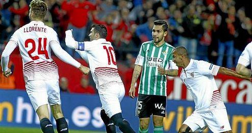 Reyes celebra el primer gol de la vuelta del derbi copero.