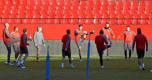 Imagen del entrenamiento de este viernes en el Pizjuán.