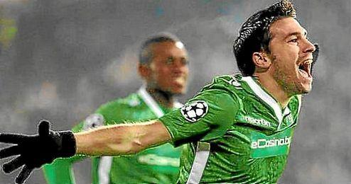 Se convirtió en una pieza destacada en el Ludogorets en la temporada 2013-14.