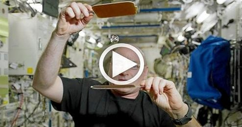 Las gotas de agua sirven de 'pelotas de Ping-Pong' en la Estación Espacial Internacional