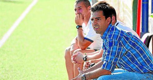 Antonio Rueda, en un encuentro del Nervión.