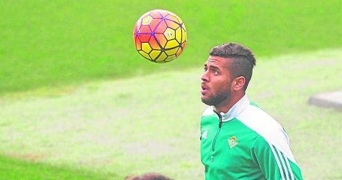 Miguel Ángel Portugal ha pedido refuerzos para el perfil zurdo de su defensa.