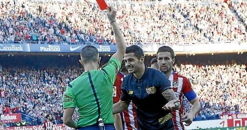 Vitolo protesta su expulsi�n en el Calder�n.