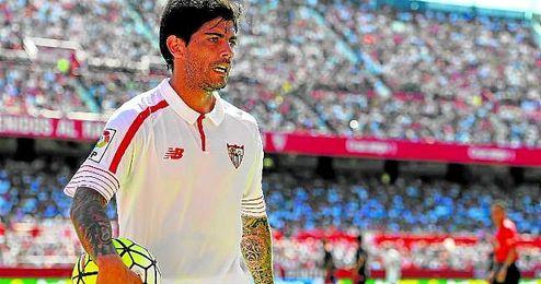 Banega sigue en conversaciones con el Sevilla.