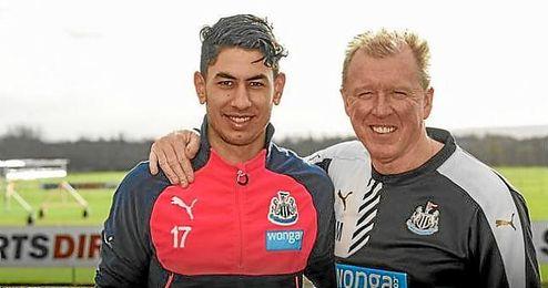 Ayoze P�rez renueva con el Newcastle hasta 2021.