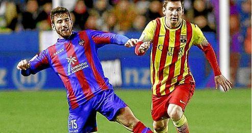 Nikos Karampelas ante Leo Messi