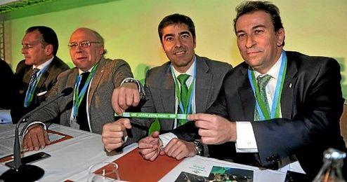 Haro y Catalán, junto al ya expresidente Ollero.