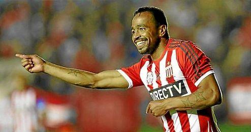 La AFA ha sancionado con ocho partidos a Pereira.