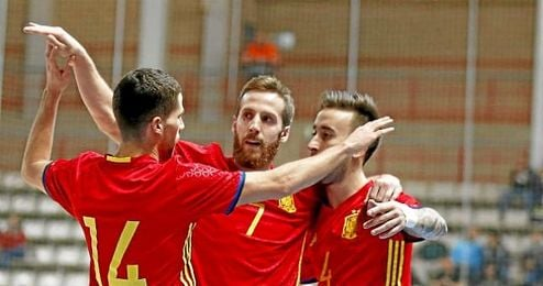 España goleó a Ucrania.
